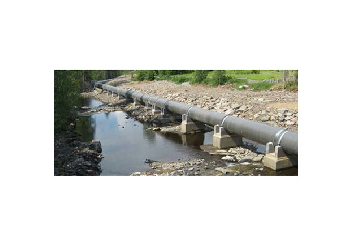 Using sandwich pipe for pipeline vibration control